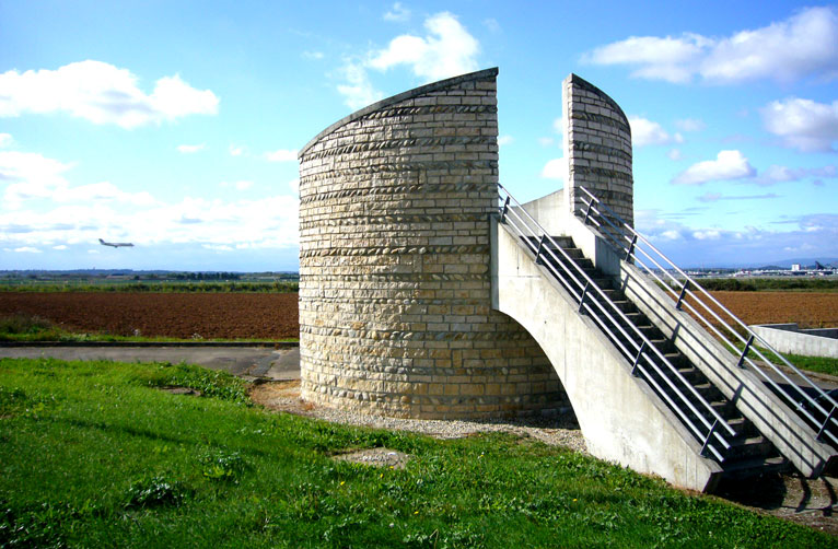 View point structure clad with stones