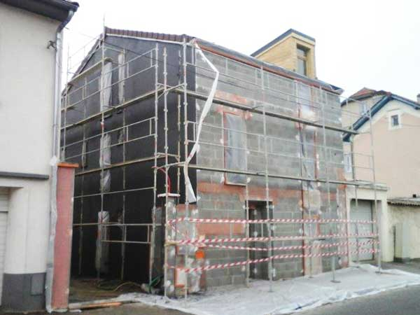 Scaffolding to install the exterior coating