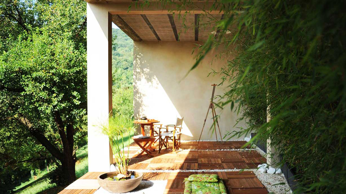 Ecological house with bamboos