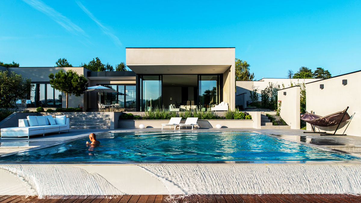 Infinity pool in the garden of a modern house